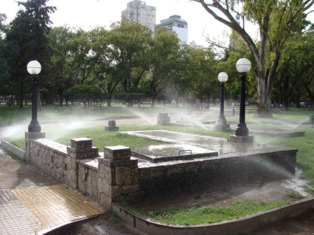 Plaza Rivadavia - riego (56)